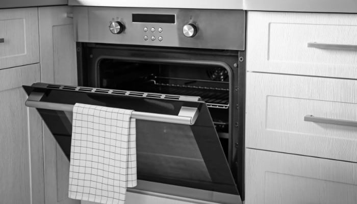 What is the Drawer Under the Oven For