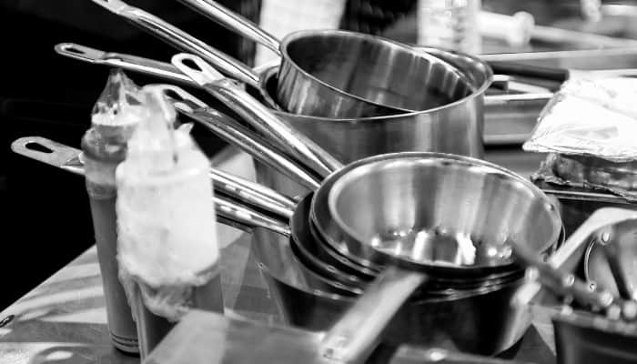 Aluminum Cookware vs. Stainless Steel Cookware - Which One is Better